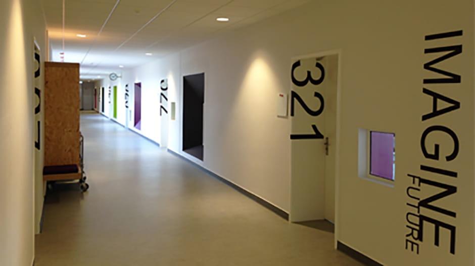 3. sal til venstre