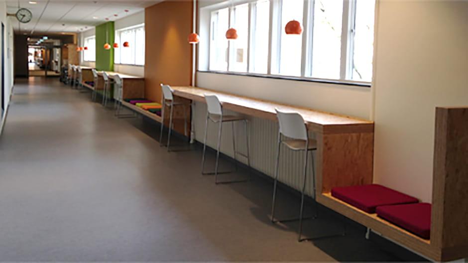 2. sal til venstre